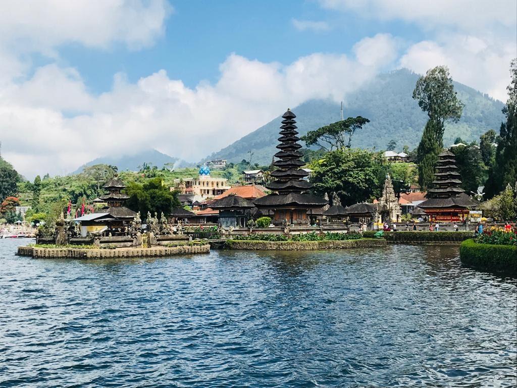 Ulun Danu Beraton Temple - Temple of the Lake - Bali
