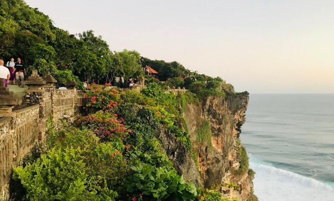10 Best Temples in Bali worth Visiting - Uluwatu Temple